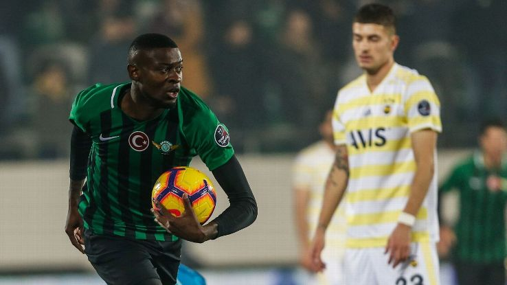 Fenerbahce slumped to defeat at Akhisarspor.