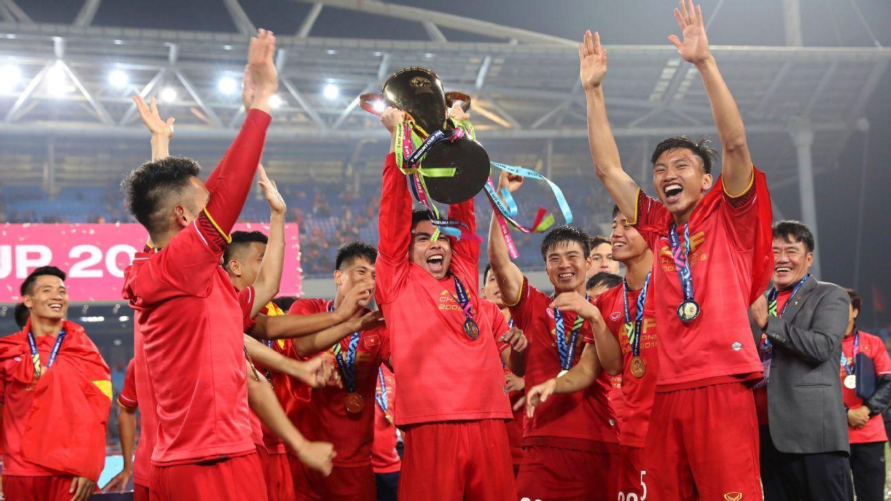 Vietnam lifts AFF Cup
