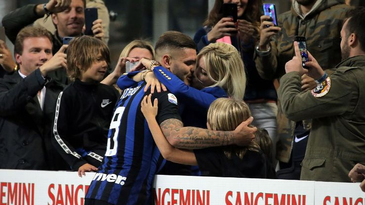 Mauro Icardi #9 of FC Internazionale Milano celebrate a victory with Wanda Nara and sons
