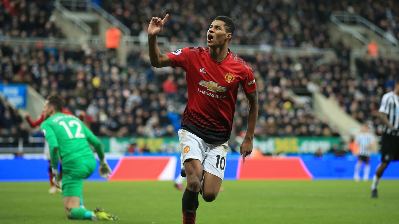 Marcus Rashford of Man Utd celebrates after scoring their 2nd goal
