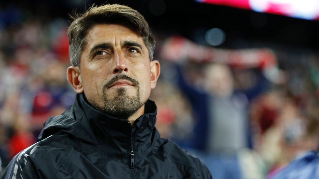 Chicago Fire re-sign manager Veljko Paunovic to multi-year deal