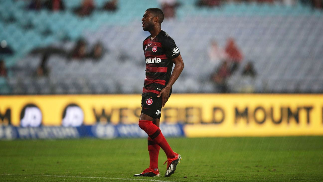 Roly Bonevacia of the Western Sydney Wanderers reacts after his team's loss to Melbourne Victory.