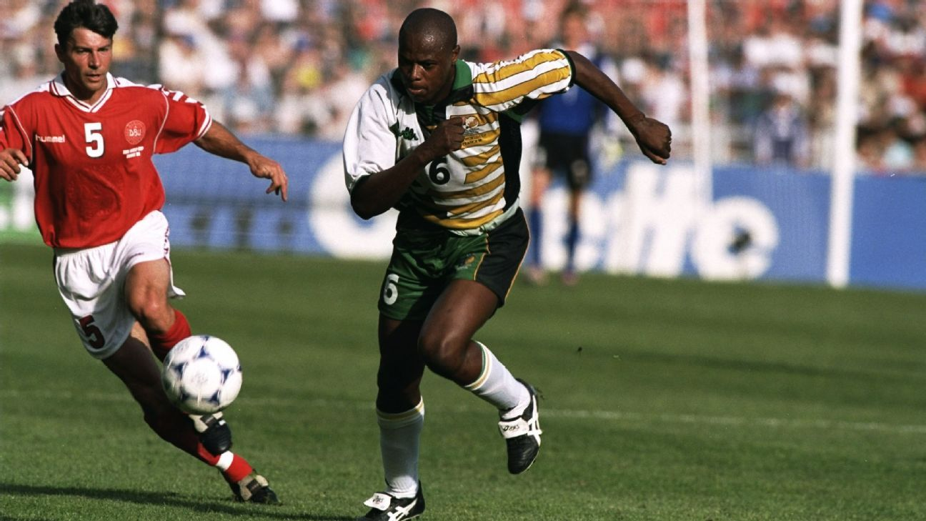 Phil Masinga, who has died, aged 49, was one of South Africa's star players when Bafana Bafana played for the first time at the World Cup.