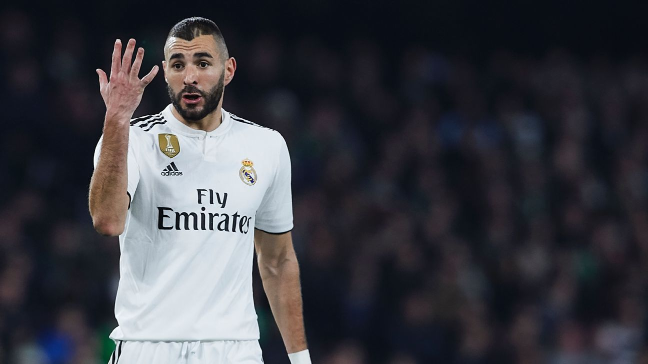 Real Madrid forward Karim Benzema has suffered a fractured finger