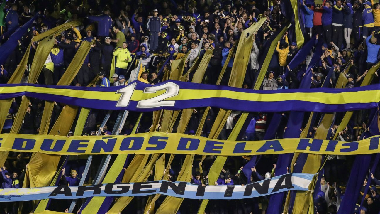 Boca Juniors supporters
