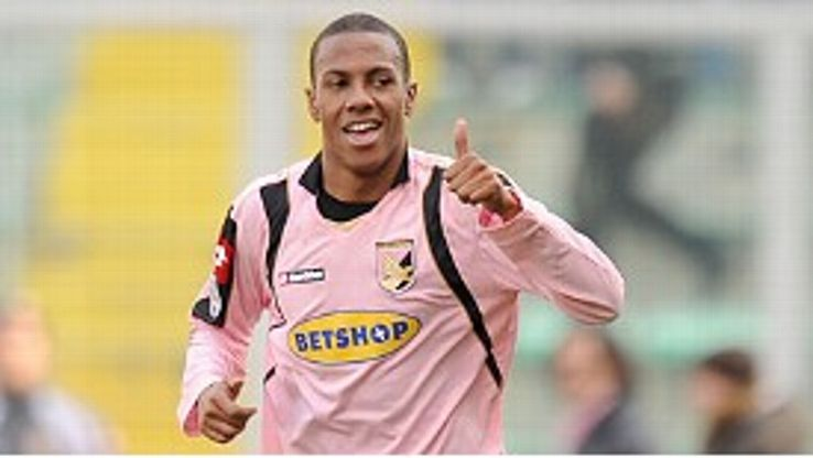 Abel Hernandez: Staying at Palermo.