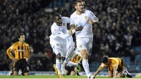 Leeds United's Bradley Johnson celebrates his goal with Max Gradel.