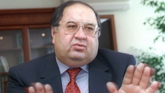 Alisher Usmanov is looking to build on his 27% stake in the Gunners
