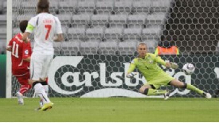 Admir Mehmedi slots home for Switzerland to confirm a 100% record for the Swiss