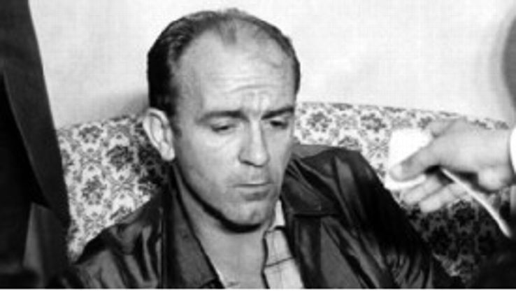 Alfredo Di Stefano speaks to journalists upon his release