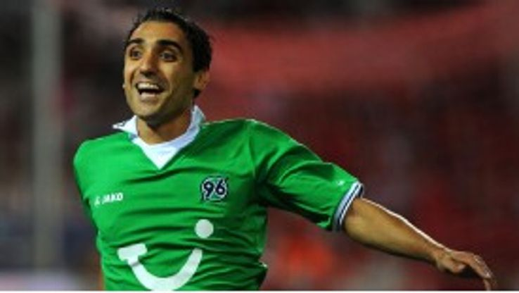 Mohammed Abdellaoue celebrates after scoring what proved the decisive goal for Hanover at Sevilla
