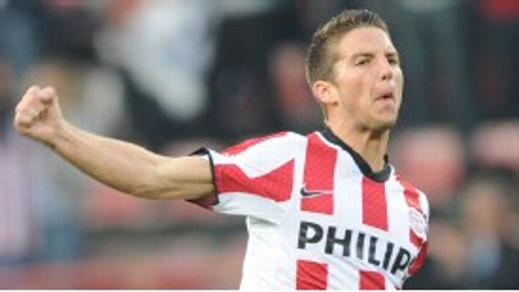 Dries Mertens celebrates after giving PSV the lead at home to Legia Warsaw
