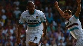 John Carew grabbed a late equaliser for West Ham against Crystal Palace.