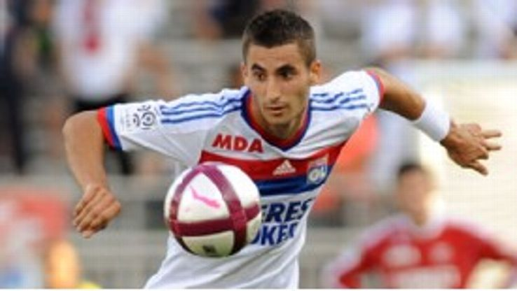 Maxime Gonalons: Staying at Lyon