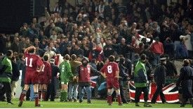 The game in 1995 was called off due to crowd violence.