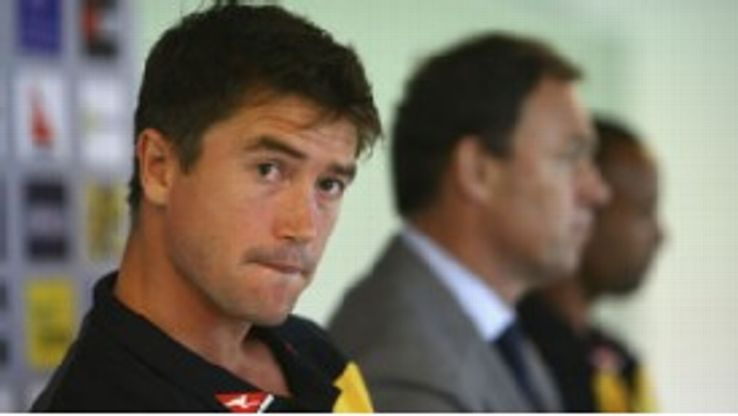 Harry Kewell is hoping a short-term deal with Al Gharafa will revive his club and international career