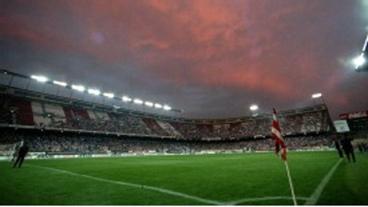 Atletico Madrid want the final to played at the Vicente Calderon