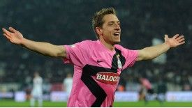 Emanuele Giaccherini celebrates his goal