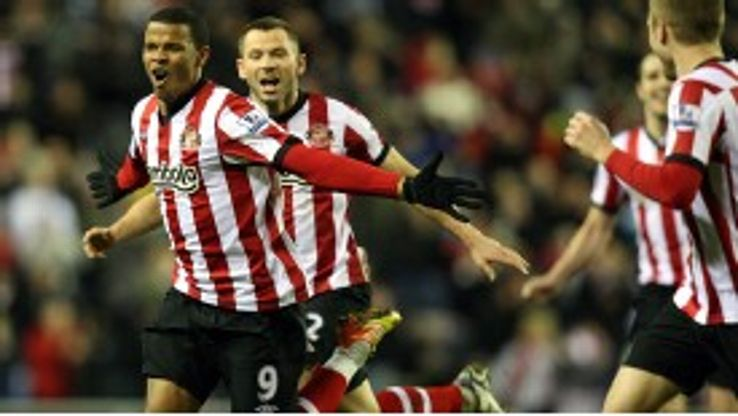 Sunderland's Fraizer Campbell celebrates his goal