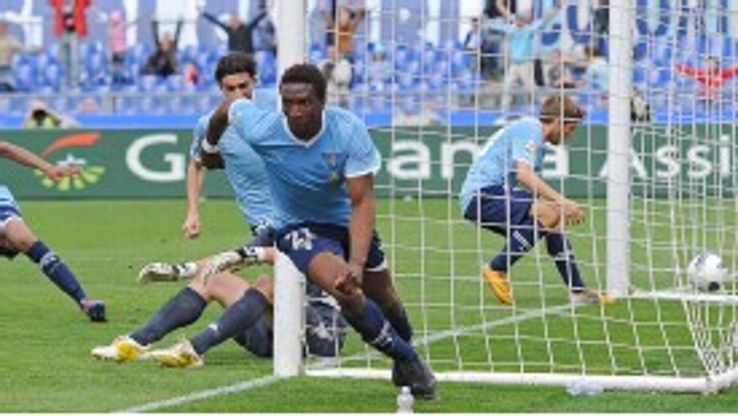 Mobido Diakite celebrates scoring the only goal of the game for Lazio against Cagliari