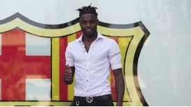 Alex Song: Bureaucratic delay