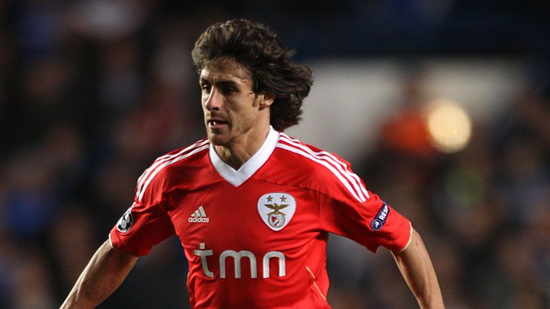 Pablo Aimar remains a key player for Benfica