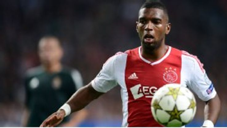 Ryan Babel thinks there are too many egos at Man City