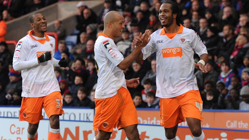 Blackpool's Nathen Delfouneso celebrates his goal