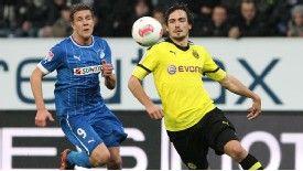 Mats Hummels was injured in Dortmund's derby defeat