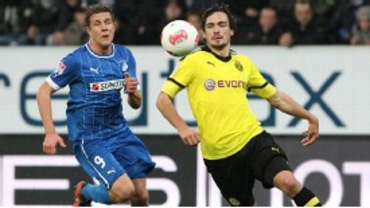 Mats Hummels was injured in Dortmund's derby defeat