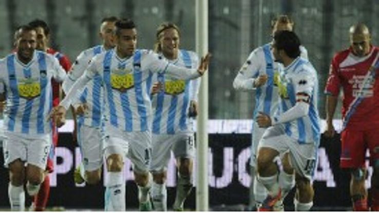 Mervan Celik celebrates his goal for Pescara