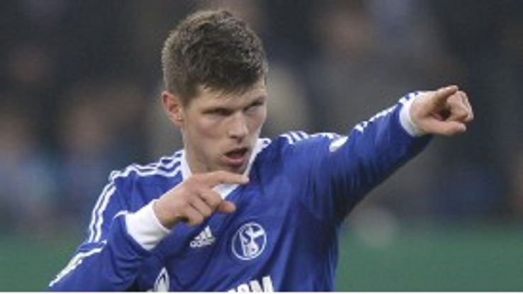 Klaas-Jan Huntelaar signed a new contract with Schalke earlier this season