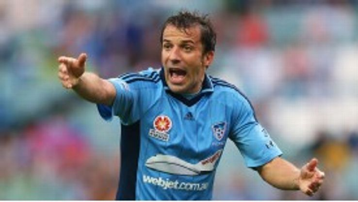 Alessandro Del Piero inspired Sydney to their first win in eight matches.