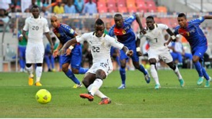 Ghana's Mubarak Wakaso scores from the penalty spot against Cape Verde