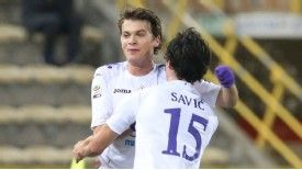 Adem Ljajic celebrates putting Fiorentina into the lead