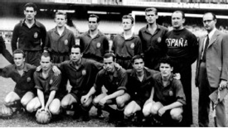 Spain team group, featuring Antonio Ramallets (back row, l) and Estanislao Basora (front row, l)