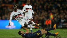 M'Baye Niang missed a good chance to equalise for Milan in Barcelona