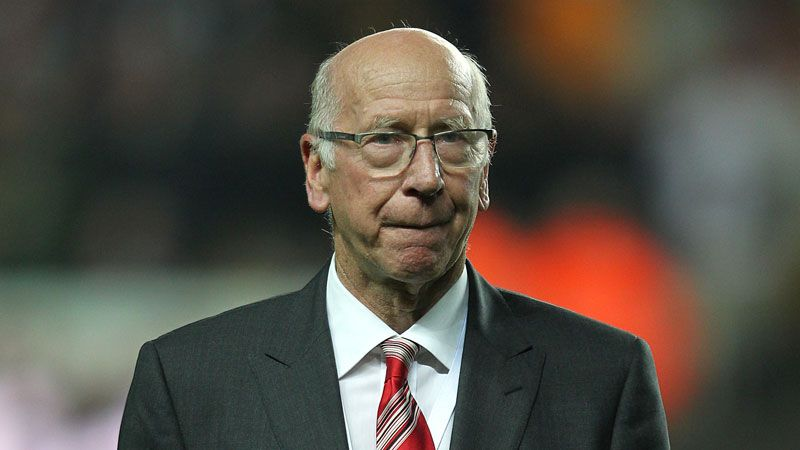 Manchester United name South Stand after Sir Bobby ...  Manchester Unit...