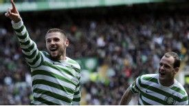Gary Hooper struck twice as Celtic's 4-1 win over Inverness secured the SPL title