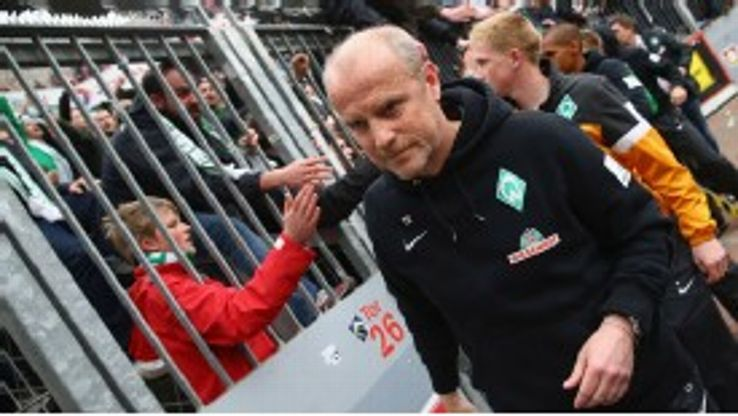 Thomas Schaaf passes the Bremen fans after the defeat to Leverkusen