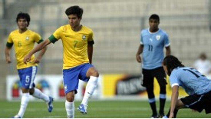 Mattheus Oliveira is set for a switch to Juventus.