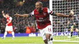Walcott wants Emirates 'fear factor'