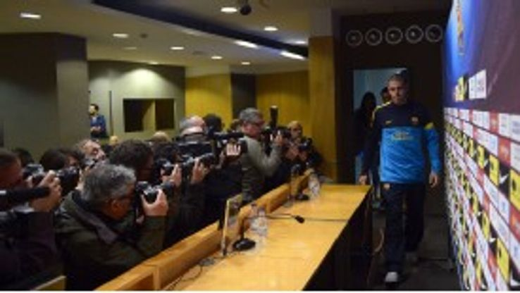 Victor Valdes arrives at the Camp Nou to explain his desire to move on