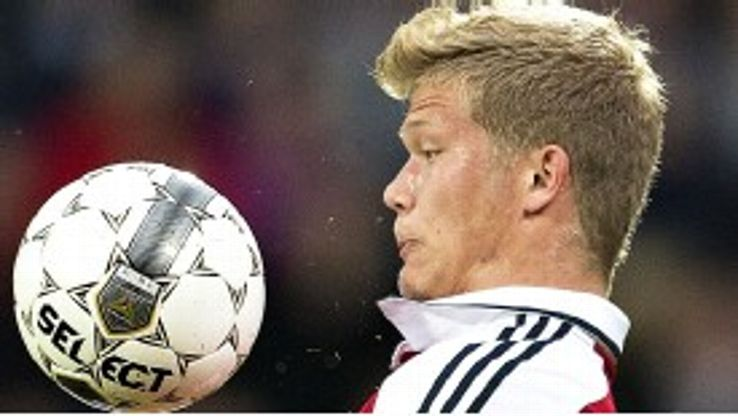 Andreas Cornelius in action for Denmark
