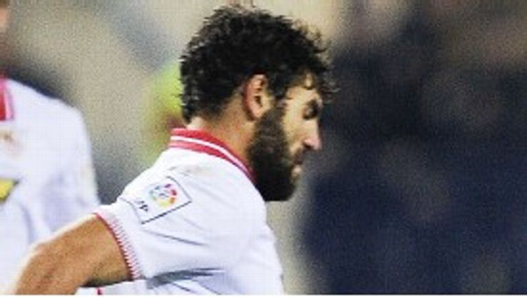 Federico Fazio is staying at Sevilla
