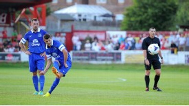 Kevin Mirallas grabbed a goal and an assist in Everton's comfortable win over Accrington