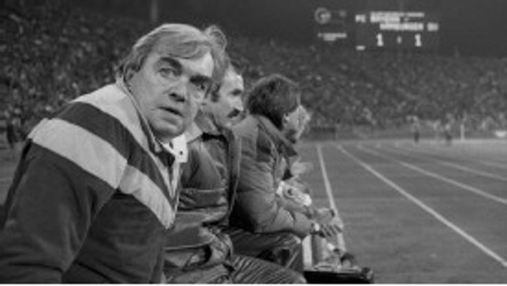 Ernst Happel in charge of German club Hamburger SV.