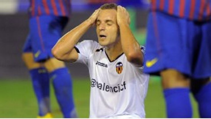 Roberto Soldado is poised to sign for Tottenham from Valencia, subject to a medical.