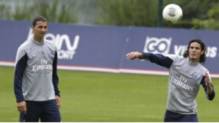 Edinson Cavani is now taking part in full training with PSG.