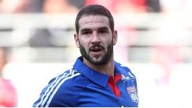 Lisandro Lopez is leaving Lyon for